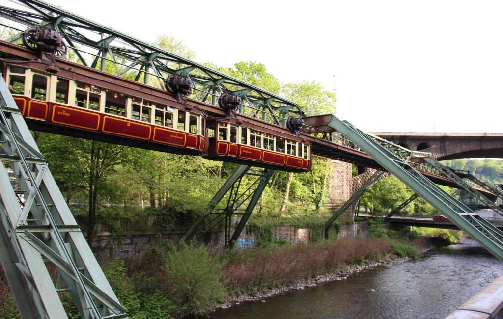 Schweben in Wuppertal