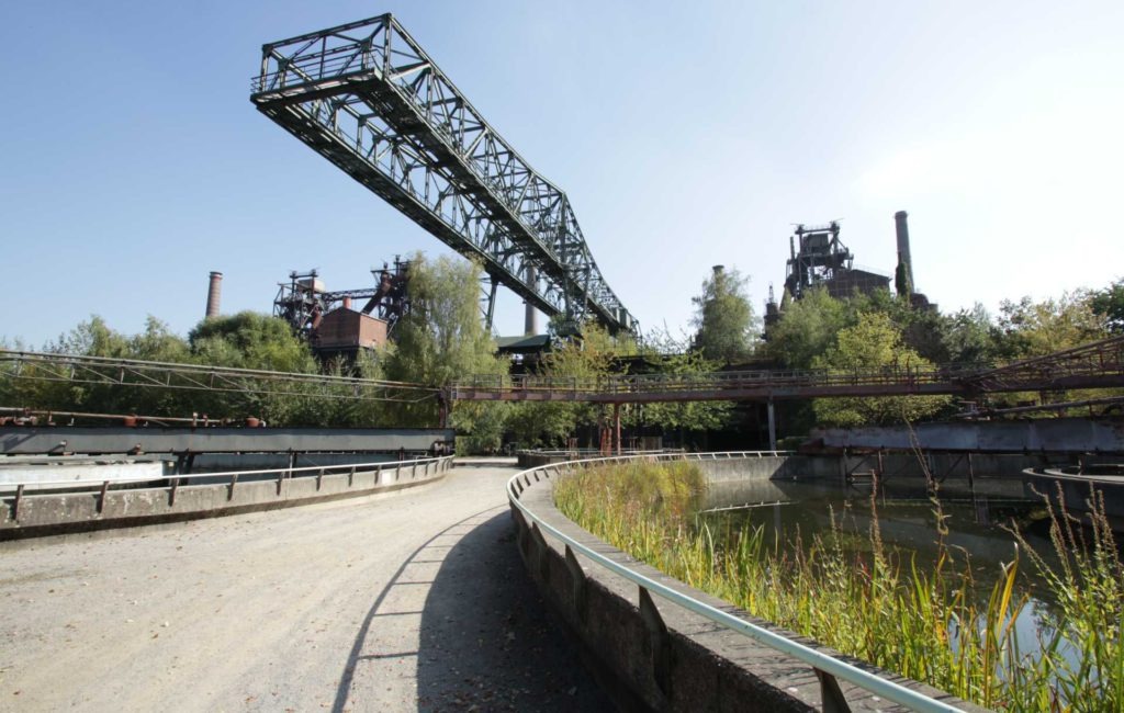 Stahlgrün – Natur oder Industrie?