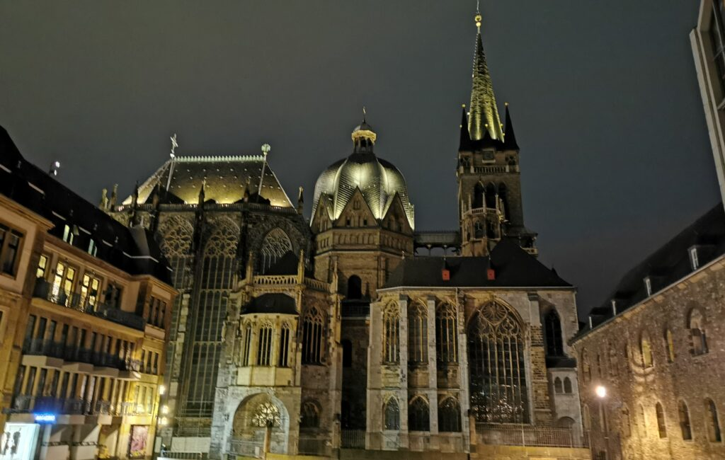 Dom und Rathaus in Aachen